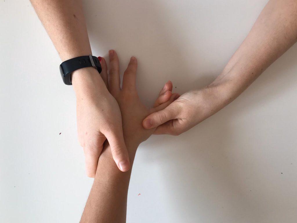 Movilización de los músculos flexores de la mano