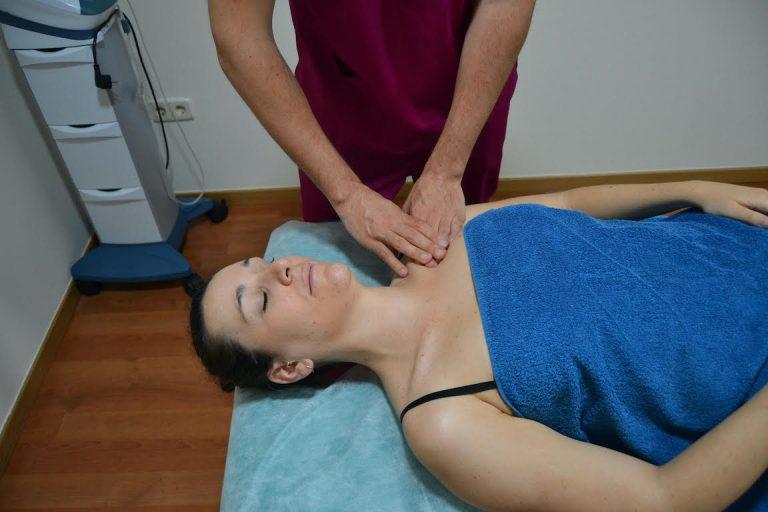 Tratamiento con drenaje linfático manual en fisioterapia