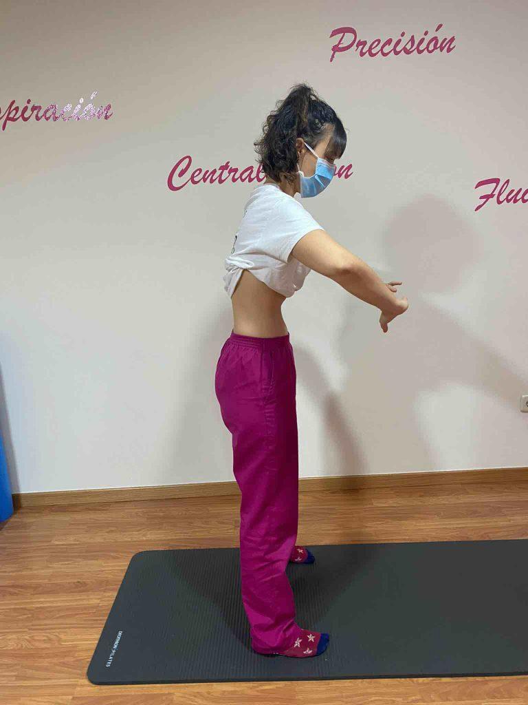 Ejercicios hipopresivos en postura de pie